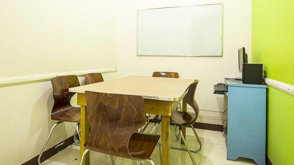 Phòng học 1:4 – Trường Anh ngữ Pines Chapis